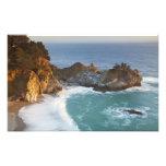 McWay escénico cae las caídas en la playa y los 2 Arte Fotografico