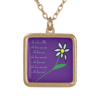 Me ama, me ama no el collar #2 de la flor