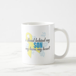 me coloco detrás de mi hijo taza de café
