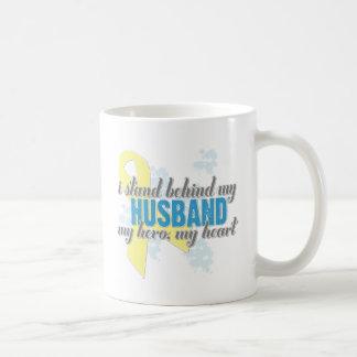 me coloco detrás de mi marido taza de café