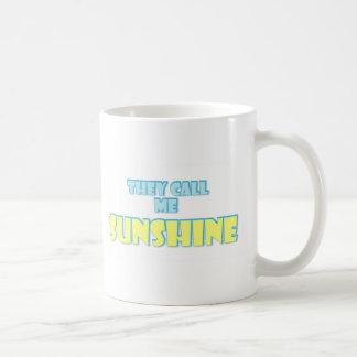 Me llaman sol taza clásica