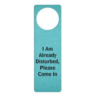 Me molestan ya vengo por favor adentro colgadores para puertas