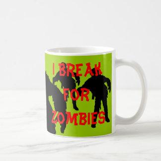 Me rompo para las siluetas negras de los zombis taza básica blanca