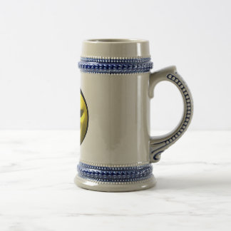 Mean yellow face smiley 18 oz beer stein