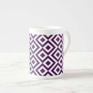 Meandro de la púrpura y del blanco taza de porcelana