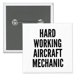 Mecánico de aviones de trabajo duro