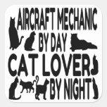 Mecánico de aviones del amante del gato pegatinas cuadradas