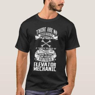 Mecánico del elevador playera