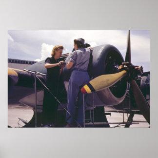Mecánicos de aeroplano de las mujeres WW2 Póster