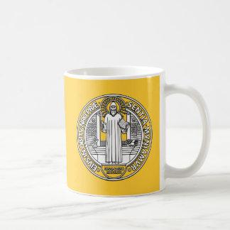 Medalla cruzada de San Benedicto ambos lados Tazas