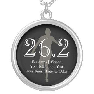 Medalla personalizada del recuerdo del corredor de collar plateado