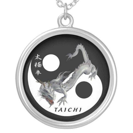 Medalla Taiji Collar Plateado