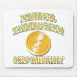 Medallista de oro nacional del equipo que habla alfombrilla de ratón