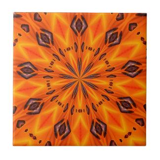 Medallón anaranjado del lirio azulejo cuadrado pequeño