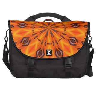 Medallón anaranjado del lirio bolsa para ordenador