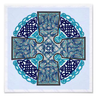 Medallón azul de la cruz céltica fotografías