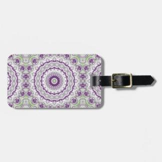 Medallón de la mandala en púrpura y verde etiquetas maletas
