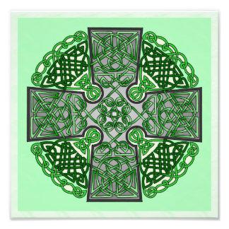 Medallón verde de la cruz céltica cojinete