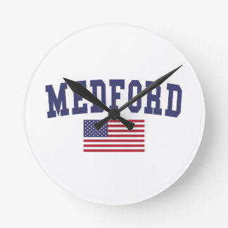 Medford O bandera de los E.E.U.U. Reloj Redondo Mediano