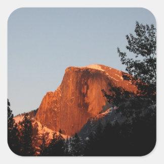 Media bóveda de Yosemite Pegatina Cuadrada