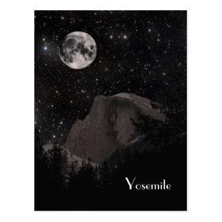 Media bóveda de Yosemite por noche Tarjeta Postal