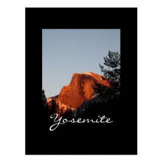 Media bóveda de Yosemite Postales