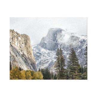 Media bóveda en el parque nacional de Yosemite Impresion En Lona