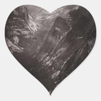 Media bóveda, valle de Yosemite, California Pegatina En Forma De Corazón