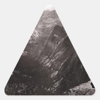 Media bóveda, valle de Yosemite, California Pegatina Triangular