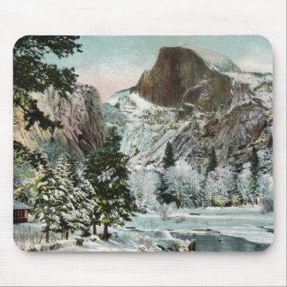 Media bóveda, Yosemite en el invierno Mousepad