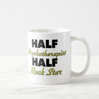 Media estrella del rock del medio psicoterapeuta taza de café