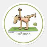 Media luna - pegatinas de la yoga etiquetas redondas