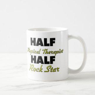 Media media estrella del rock del terapeuta físico taza de café