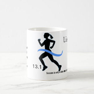 Media taza del maratón de las mujeres con Blue Rib
