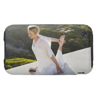 Mediados de ejercicio practicante de la yoga de la iPhone 3 tough fundas