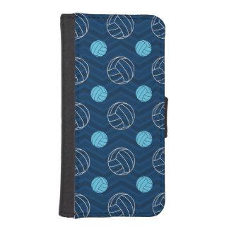 Medianoche, azul de cielo, moreno, voleibol Chevro Fundas Cartera De iPhone 5