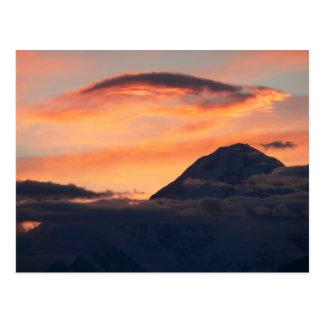 Medianoche en la postal de Denali