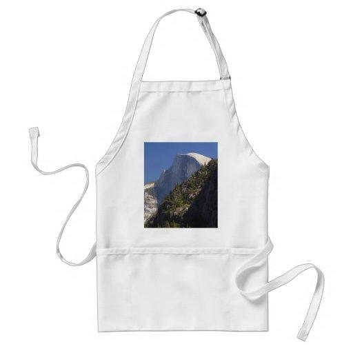 Medias corrientes de Yosemite de la bóveda de la m Delantal
