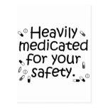Medicado pesadamente para su protección tarjeta postal
