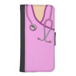 Médico rosado friega fundas billetera para teléfono