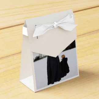Medieval Mother and Daughter Favor Box