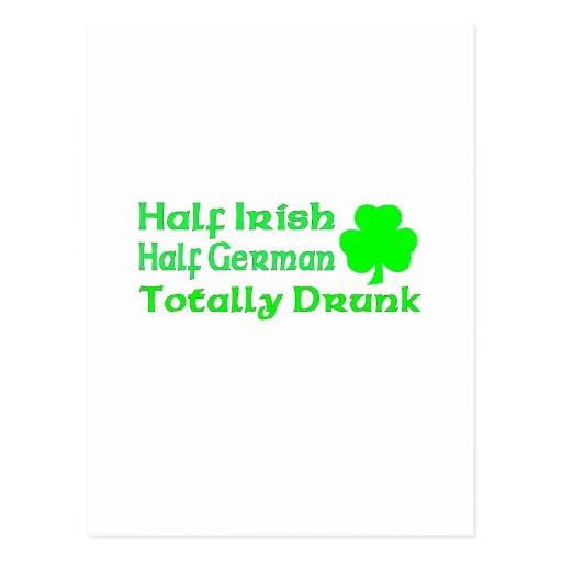 Medio alemán a medias irlandés bebido totalmente tarjeta postal