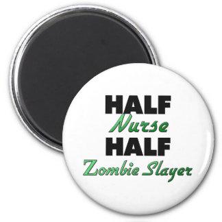 Medio asesino del zombi de la media enfermera imán redondo 5 cm