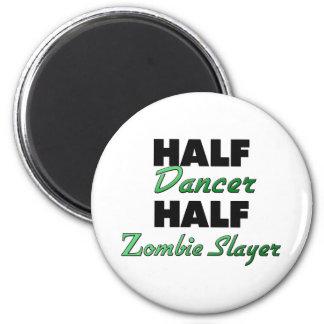 Medio asesino del zombi del medio bailarín imán redondo 5 cm