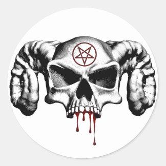 Medio cráneo del diablo pegatina redonda