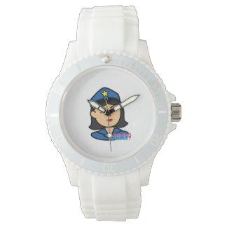 Medio de la cabeza de la mujer de la policía reloj