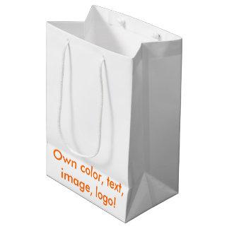 Medio del bolso del regalo los propios diseño