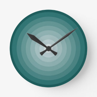 Medio del reloj de pared de la blanco del trullo