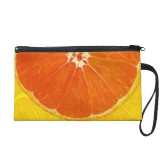 Medio diseño anaranjado de la fruta