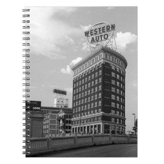 Medio edificio auto occidental del cilindro cuaderno